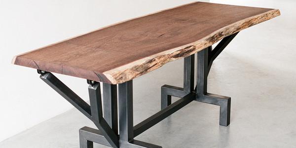 tafels en andere staalobjecten